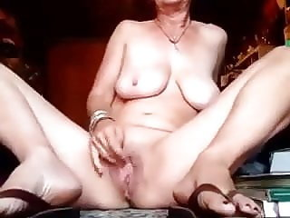 Mature kf pussy play