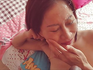 Asian mature Mahkyo facialized by huge cum spurts
