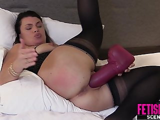 Tabby Tender fucks big toys and pussy pump