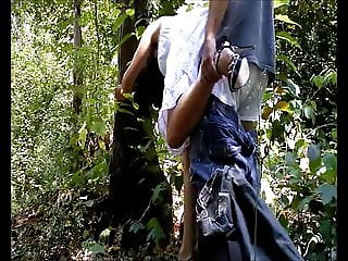 moglieporcellina72 outdoor fuck and cum inside
