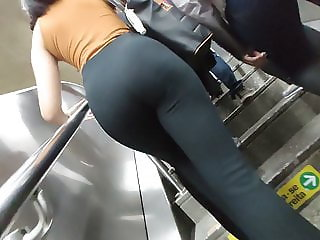 Amazing fit secretary ass in tight hot pants