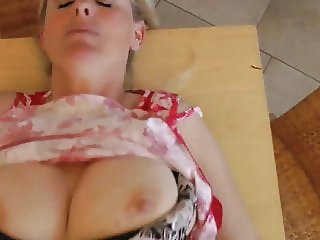 fantastic mature milf loves morning creampie with neighbor