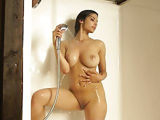 Shanaya Nude in Shower
