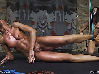 Workout - Holly - Queensnake.com - Queensect.com