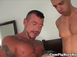 Rimmed and barebacked bear shoots jizz