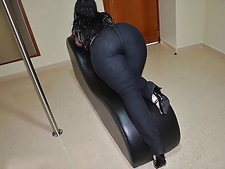 bigcurvylatinass sample