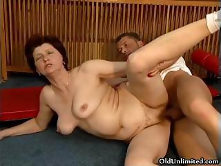 Horny mom getting from part5
