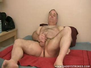 Daddy Sammy Jerking Off His Mature Cock