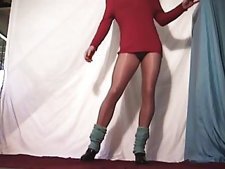 Dee the Crossdresser - Tease 06