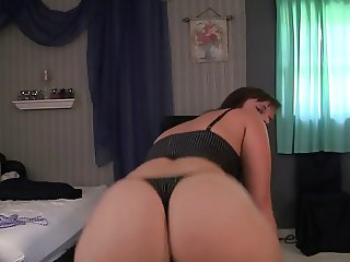 sexy pawg dance in sexy thong booty clap