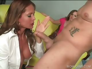 Daughter and mom share cock in 3some
