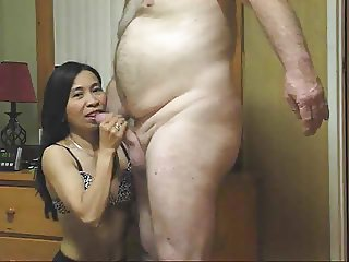 Filipina Eats Sperm