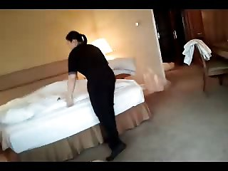 Flashin hotel maid. Part 3. Wank