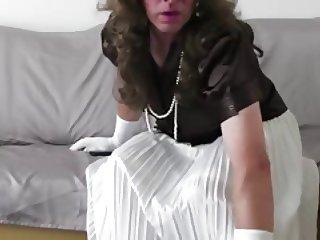 crossdress white skirt