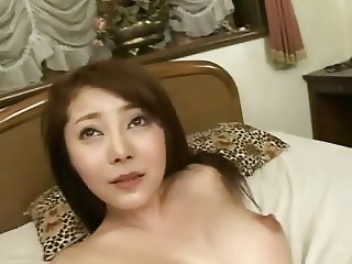 Shapely Japanese beauty gets cumshots