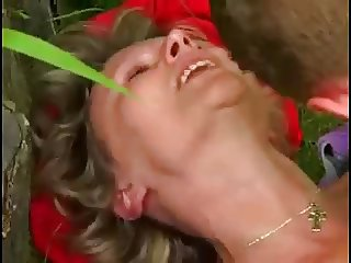 mom and boy sex in garden