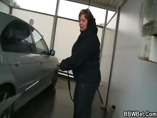 He bangs BBW in the shower