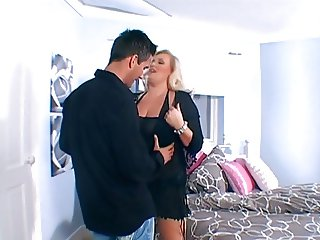 British MILF Kirstyn Halborg gets fucked on the bed