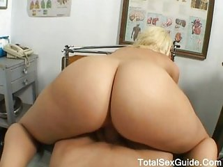 Alexis and her big ass in a nice POV vid