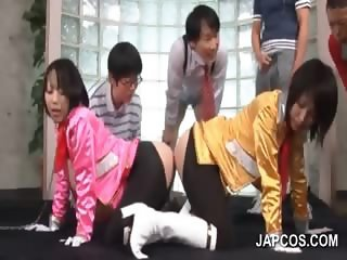 Nasty 4some with asians sharing double dildo