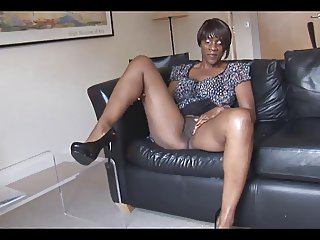 Ebony upskirt pictures