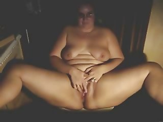 Chubby Mature rubbing to an orgasm