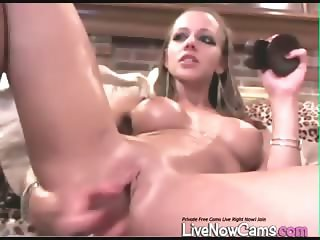 Nude Squirts in Bowl on Live Cam