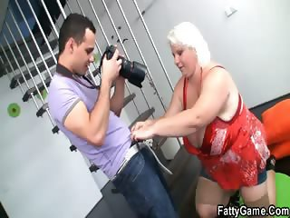He makes some photos then bangs her on the floor