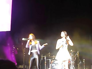 Victoria Justice and Madison Reed - cheer me up live