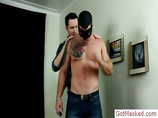 Muscled and tattooed hunk gets stroked part3