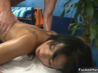 Sexy brunette babe gets her cunt fucked part3
