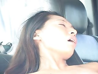 Taiwanese chick gets fucked in car p1 - kamikaze