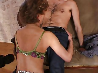 French amateur anal mom