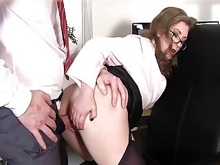 Mommy Fucks a Young Dick