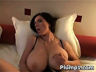 Sexy Hot Spicy Plumpy Slut Makeout