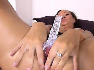 Czech pornstar gaping with gyno toys