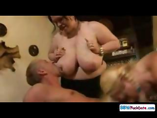 Sex party with big women and one skinny brunette all fucking