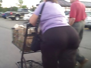 Gilf GrandMa Mature Ass Booty
