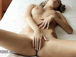 sexy solo brunette finger pussy