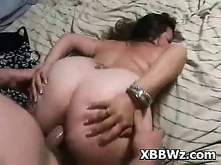 Tempted Pegging In Spicy BBW Pee Hole