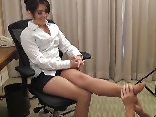 The Pantyhose Assistant