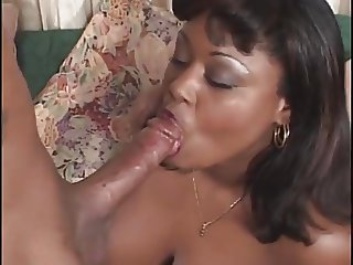 Fat Black Milf take a deep Anal fuck and Cumshot