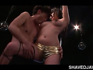 Blowjob expert jap pole dancer teasing shaft in a strip bar