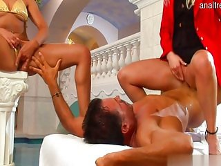 18 yearsold daughter sex in public