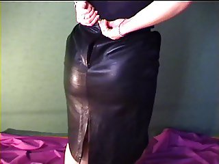 Former GF leather skirt