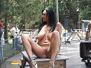 Busty Isis Haze at 2013 Nudes-a-Poppin