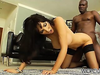 Irresistible cougar gets ass fucked