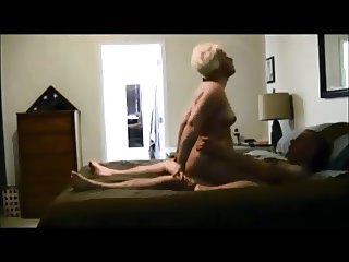 Amateur milf gets fucked on hiddencam