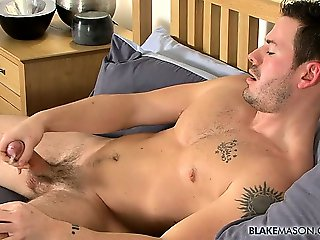 The Cum Parade is back with another round of awesome jizz