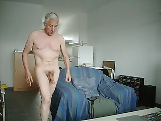 Mondobay nude playing cock
